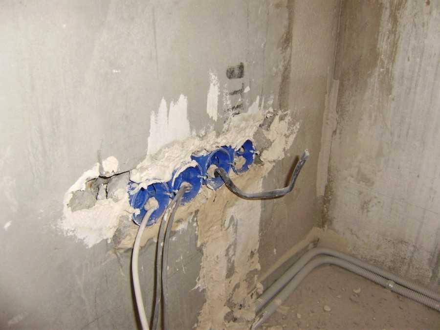 Провести проводку в ванной своими руками 39